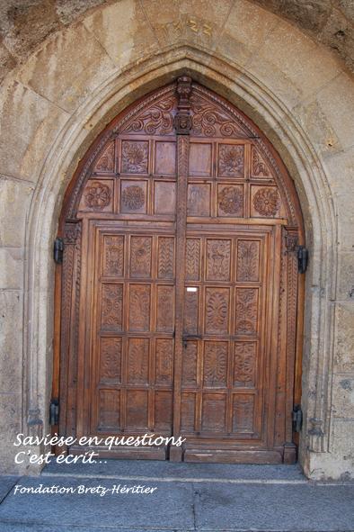 34_Porche de l'église de Savièse